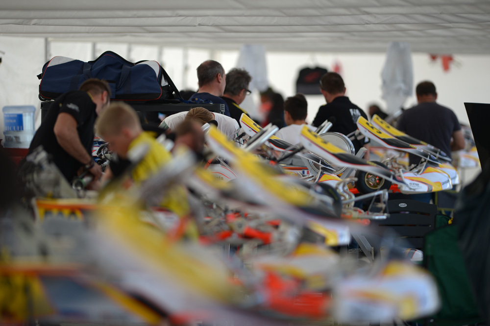 Mechanics at work, Karting Academy Trophy (pic - CIK/KSP)
