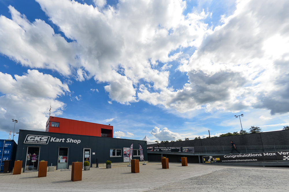 Genk kart shop (pic - press.net images)