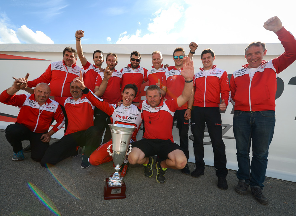 Marijn Kremers and the Birel ART team with the trophy, 2nd in KZ