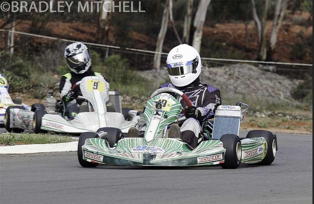 Tyler Nastasi racing his X30 (pic - Bradley Mitchell Photography /WAKZ2 Series)